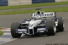 WILLIAMS FW27 Nick Hiedfeld at speed Silverstone. Photo.